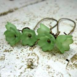 Baby bell flower Earrings. Green flowers. Brass Jewelry. Earrings. Brass earrings. Green Earrings. Bohemian. Kidney ear wires.
